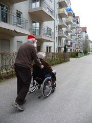 Ein soziales Netzwerk hilft Senioren aus der Einsamkeit.