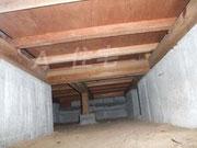 オプションメニューの床下検査 床下はシロアリ・土台が腐っていたりと問題が多い箇所です。住宅診断の際には一緒に検査する事をお勧めします。