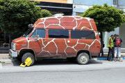 Chevy mit unpassendem Schuh