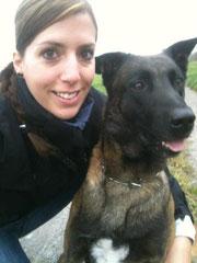 Angi mit ihrem Pflegehund Pango, den wir alle total ins Herz geschlossen haben.