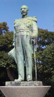 多賀山公園東郷平八郎像もみちょっど!
