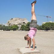 Annelie in Athen.