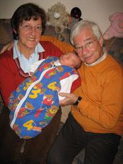 die stolzen Großeltern