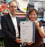 IHK Ehrenurkunde zum 25 jährigen Jubileum von Inspiration Stoffe in Backnang