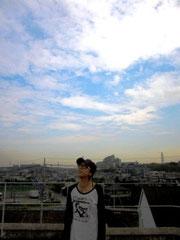 反対側の空は綺麗な青空でした・・・(T_T)