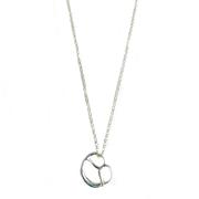 Silberkette. Filigrane Kette für Dein Wiesen, Wiesn, Wasen Dirndl outfit in drei Längen Varianten der Halskette. perlenpool ´s kleine Brezelkette.  Die Halskette und der nette Brezelanhänger sind aus 925 Sterlingsilber gefertigt.