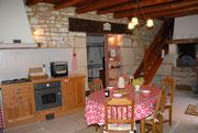 Gîte en Meuse - Cuisine intégrée avec four à pain