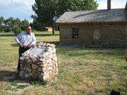 Leonard am Crazy Horse Gedenkstein