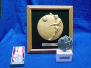 レリーフ トロフィー メダル