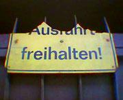 """UH"" FREIHALTEN (c) De Toys, 6.3.2005"