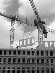 inVALIDe UNDER CONSTRUCTION (c) De Toys, 19.4.2010 (gegenüber vom Hbf)