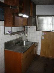 造り付けキッチンからシステムキッチンへの入れ替え工事