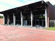 Die zerstörte Halle am Dorsfplatz