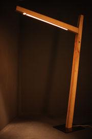 Leuchte aus Eschenholz