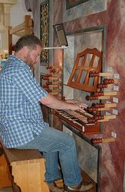 Im Urlaub 2010 an der historischen Thoma-Orgel im Kloster Schlehdorf