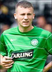 Paul Caddis im Trikot von Glasgow Celtic