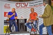 Im Gespräch mit Walter Zimmermann (links) glücklicher Gewinner der Klasse ÖTSV Fortgschrittene +45 mit Manfred Weissensteiner (10. Platz FIM Europameisterschaft +40). Image: www.otsv.at