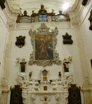 Interno dell'antica chiesa del monastero di Ostuni