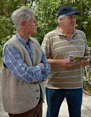 Martin Schachtl und Heinrich Flurl begrüßten die Teilnehmer der waldkundlichen Wanderung durch den Stabmaierforst