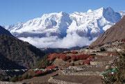Géants enneigés à proximité de Pangboche - Pays de l'Everest - Khumbu - Népal