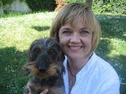 Dr. Annette Rathmann-Starke mit dem Familienhund Blu