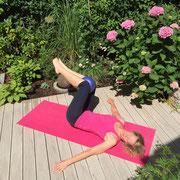 Übung Single Straight Leg Stretch