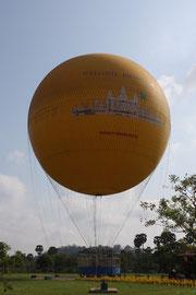 Ballon nahe Angkor Wat