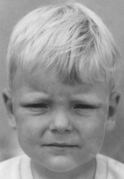 Der Autor in jungen Jahren bei der Analyse seiner Erfolgsaussichten als Schriftsteller