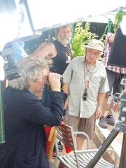 Philippe Garrel, viseur à la main, Jean-Paul Toraille, 1er assistant opérateur, et Willy Kurant     Sur le tournage d'Un été brûlant - Collection Willy Kurant