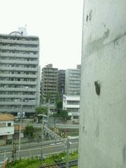 職場の5階 ビルの窓から