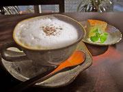 ホットカフェオレ お茶菓子付き