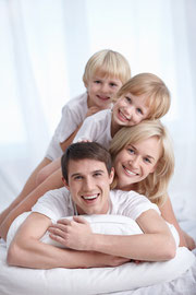 Wie bleiben Zähne und Zahnfleisch ein Leben lang gesund? (© Deklofenak - Fotolia.com)
