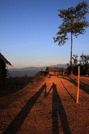 Morgenstimmung im Akha-Dorf.
