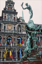 Antwerpen, Brabobrunnen, Rathaus