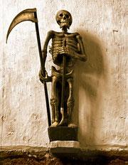Statue de l'Ankou à Ploumiliau