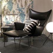 Studio galleri erbjuder ett personligt urval av vintage modern design, från 1900-talets mitt till idag.