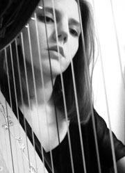 Marie-Claire Junke, Harfe
