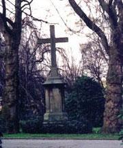 Kreuz auf dem alten Schonnebecker Friedhof