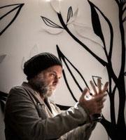 Erick Ifergan artiste international, artiste belles rives, serial dreamer, Chateau Saint-Martin, Grasse, ceramique, sculpture en ceramique, jardin parfumé, artiste réalisateur, photographe, cinéaste, l'arbre de vie