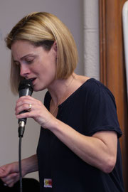 Kelly in the vocal workshop