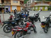 Motorräder - in Kolumbien überall