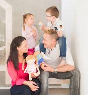 Kreative Familienbande mit ihren Mutmach-Produkten