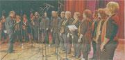 """Auftritt der ,,Gospel Voices"""" aus Holzweiler beim Gemeinschaftskonzert des Stadtmusikbundes 2010.                                  rp-foto: laaser (archiv)"""