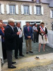 Les discours: Yves Michel, président de la communauté de communes, Erick Beaufils, Vice-Président du Conseil général et Mme Gisèle Alexandre, maire dynamique et opiniâtre!