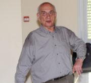 Le professeur M. Schneider, président du comité des Alpes-Maritimes