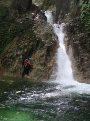 淵のへつりから滝へ Y。