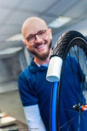 Einsatz aus expandiertem, thermoplastischem Polyurethan ersetzt die Luftfüllung im Schlauch‐ bzw. Tubeless-Reifen