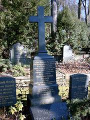 Das Grab auf dem Burgfriedhof