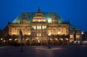 Neben den Stadtmusikanten hat Bremen zu Hochzeiten, Festen und Events erheblich mehr als nur das Rathaus zu bieten  - Bild: © IMAGINARIUS – iStockphoto.com