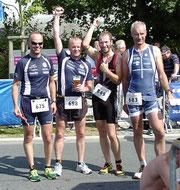 Rolf Schröder, Torsten Meyer, Ulf Fröhlich und Detlef Meinert finishten in Wilhelmshaven.
